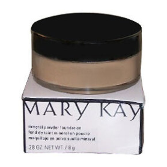 Mary Kay Ivory 2 Mineral Powder foundation
